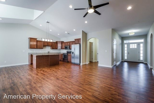2701 Tobacco Road Unit B