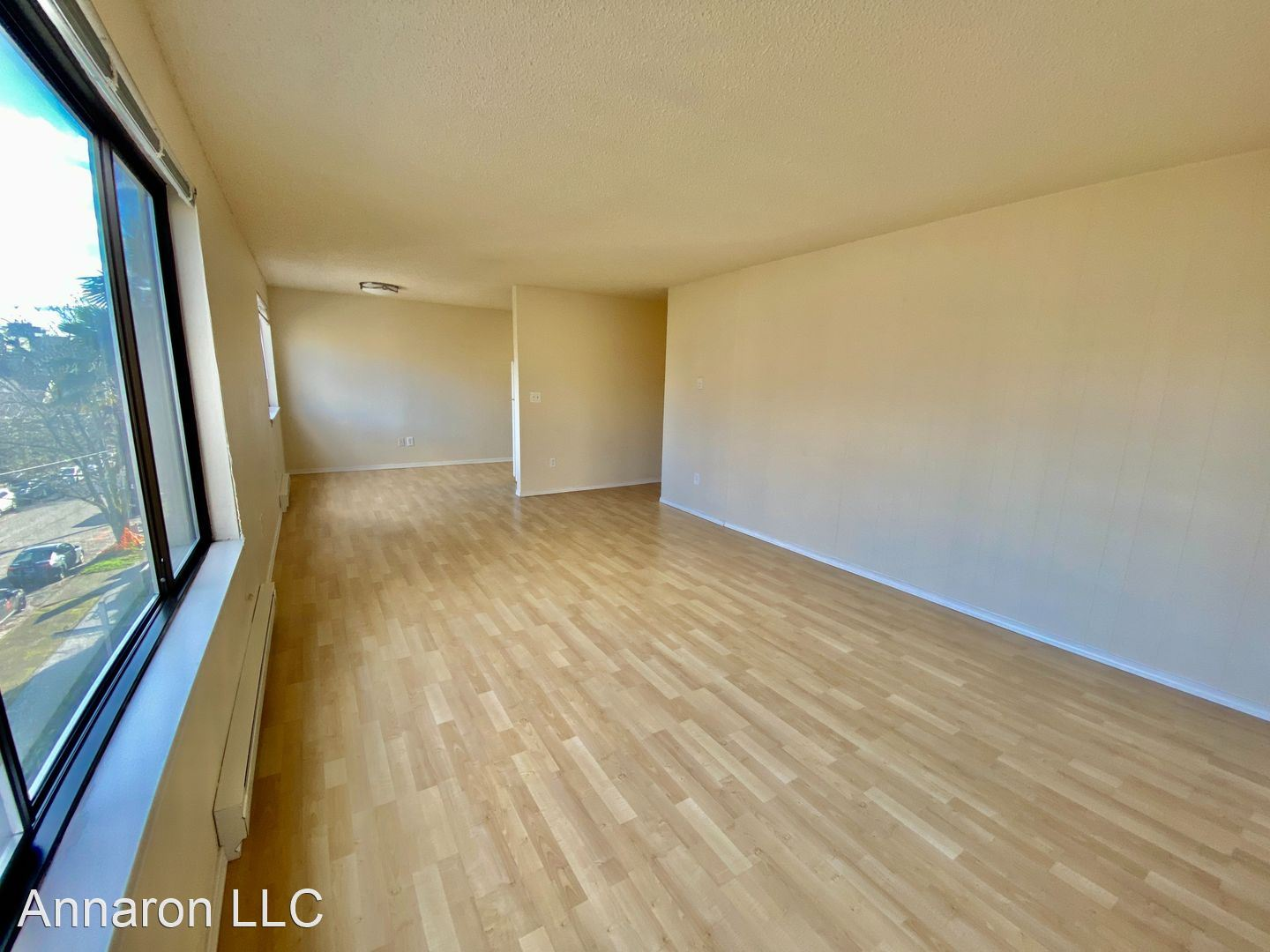 1727 14th Ave. Annaron@northwestapartments.com